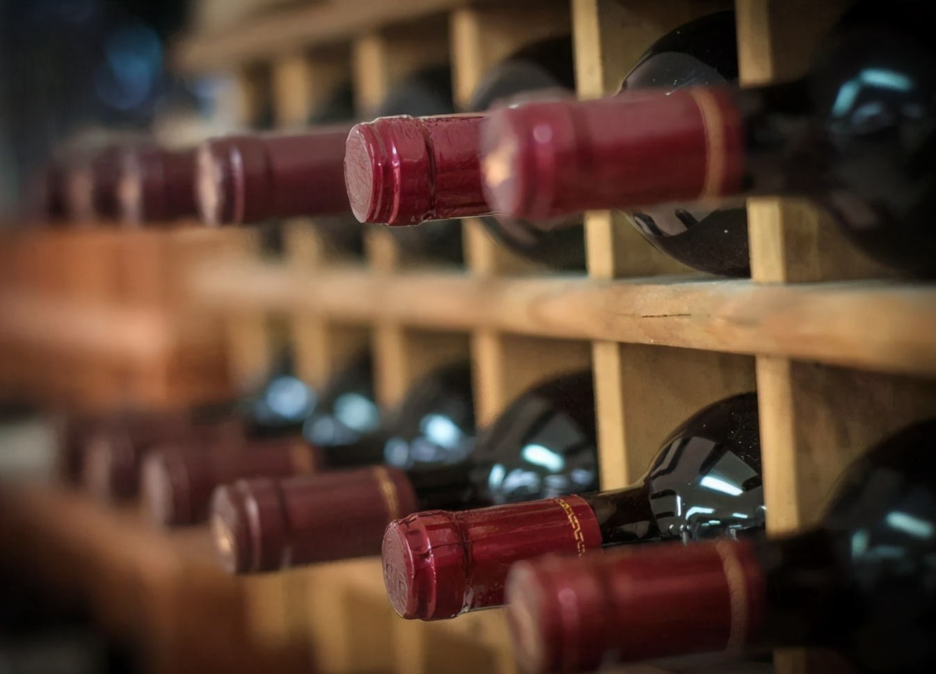 盟友的承诺没有一个兑现,澳大利亚葡萄酒出口直线下降,澳大利亚商人开始怀念中国