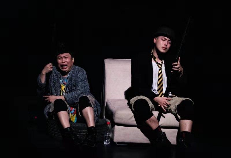 热演14年,孟京辉经典戏剧作品《两只狗的生活意见》再度来厦