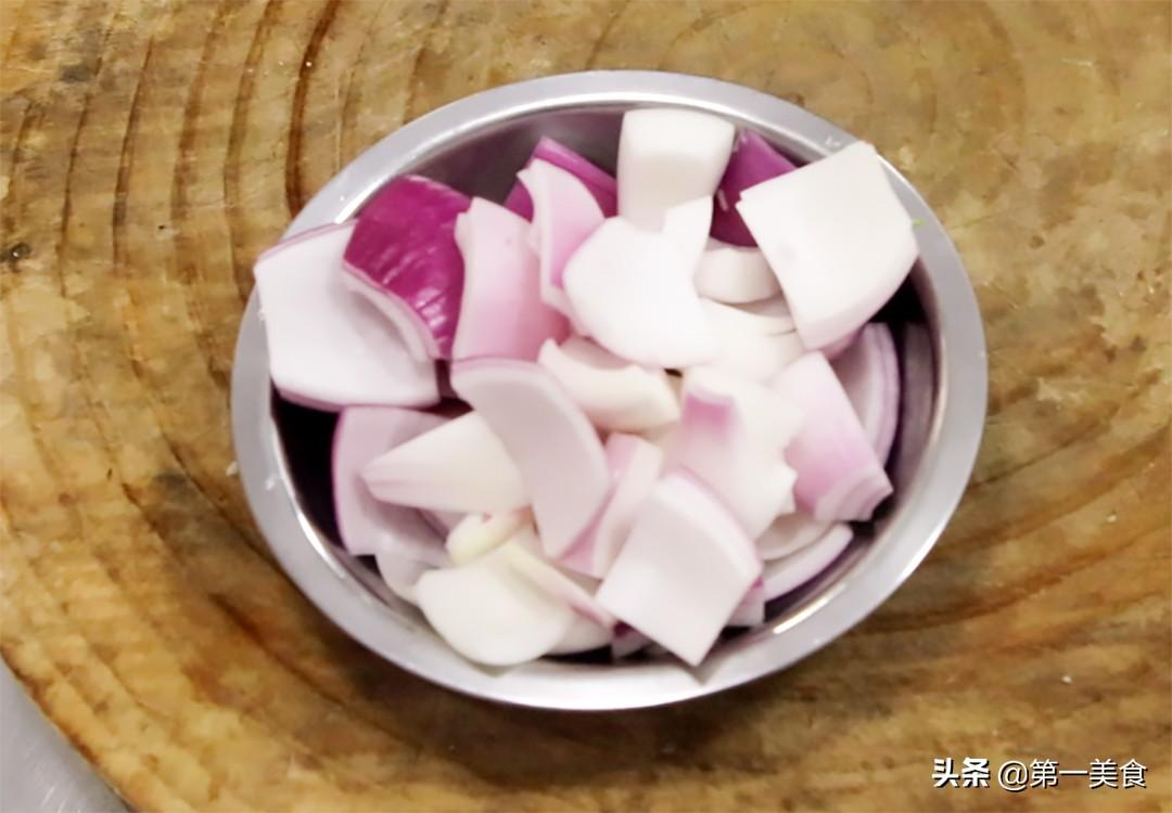 麻辣香锅怎么做才好吃,原来这么简单,学会这个技巧,色泽鲜艳 美食做法 第4张