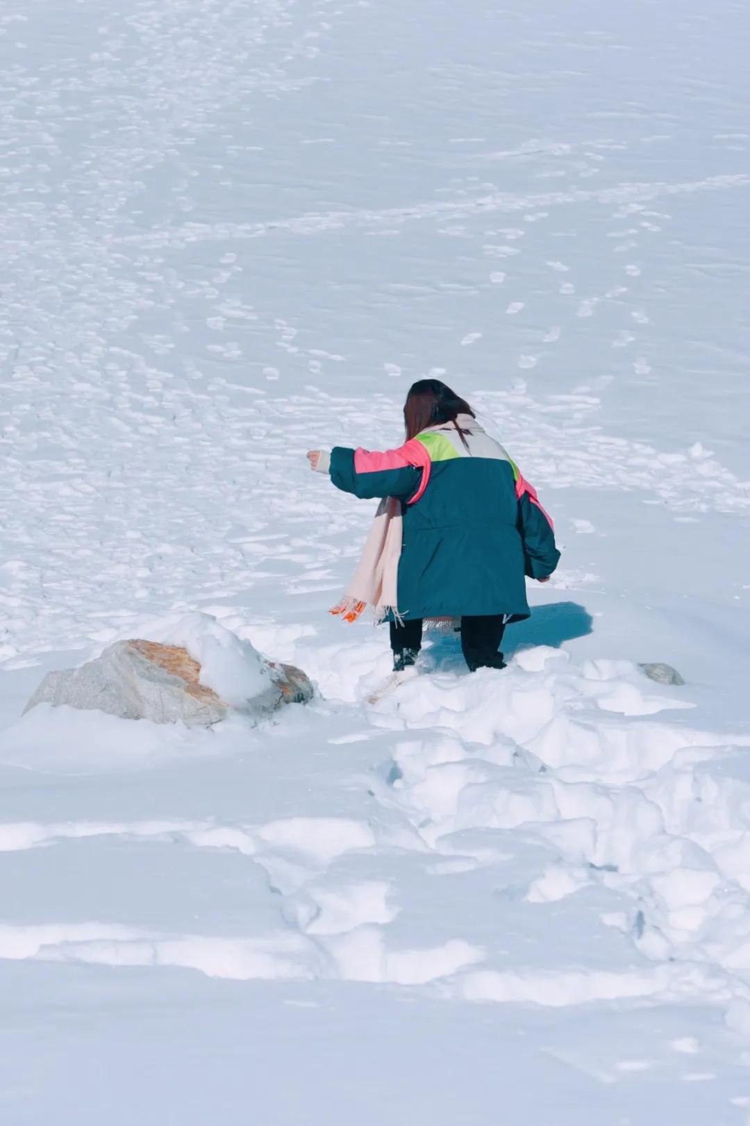 成都�敉猓哼_古冰川2天,有什么值得玩�旱�?