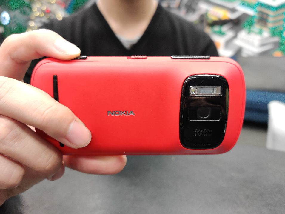 超级大底,伸缩镜头,前几年的手机为了拍好照什么都敢做