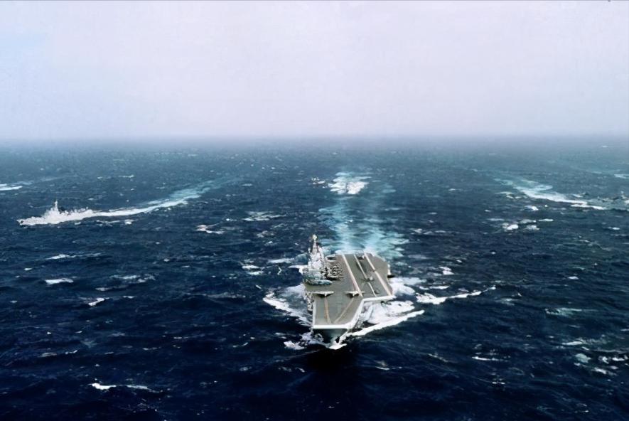 辽宁舰编队执行啥任务?海军刚为大伙揭秘,一个显著转变值得关注