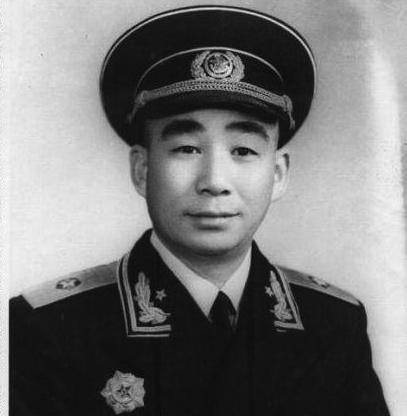 这位开国少将有两个连襟,一个是开国上将,一个是开国中将