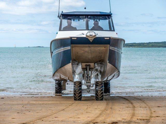 新西兰水陆两栖铝合金双体休闲艇:斯科利达Stryda 600C
