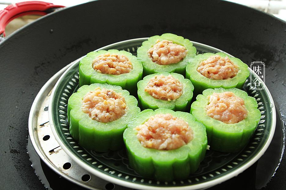 小滿後天氣熱,多給家人做這個吃,蒸一蒸澆上料汁,好吃還解暑