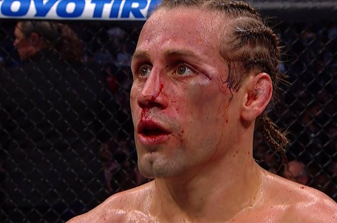 小时候遭受校园霸凌后来成为UFC世界冠军,中俄混血的彼得严