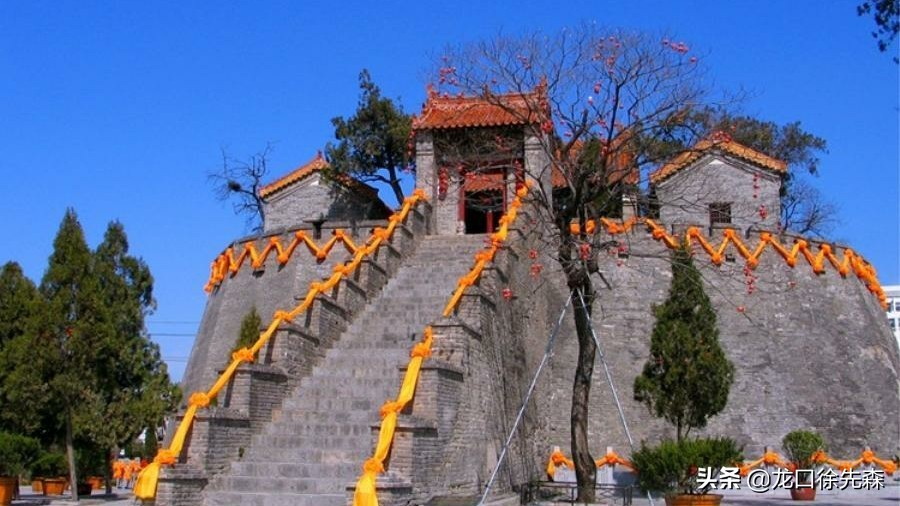它位于河南鹿邑,因道教鼻祖老子而闻名,文化氛围浓厚