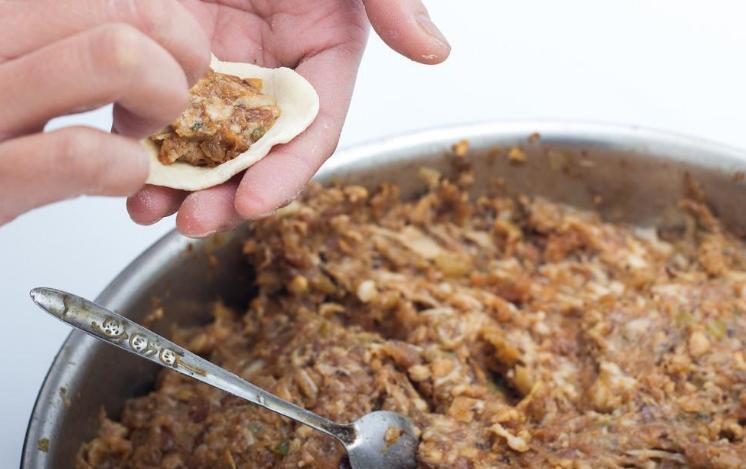 调肉馅,记住两放两不放,肉馅调好又嫩又香,包饺子好吃极了 美食做法 第8张