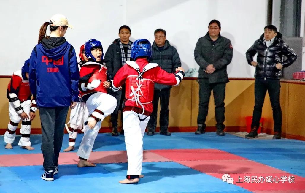 嘉定区体育局、教育局领导到斌心学校调研