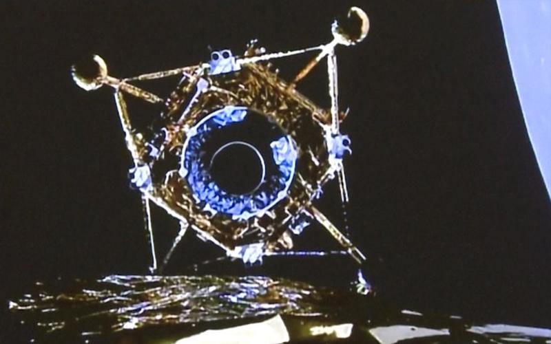嫦娥五号返回舱着陆,小动物凌晨已抢镜,打水漂精准落地前景广泛