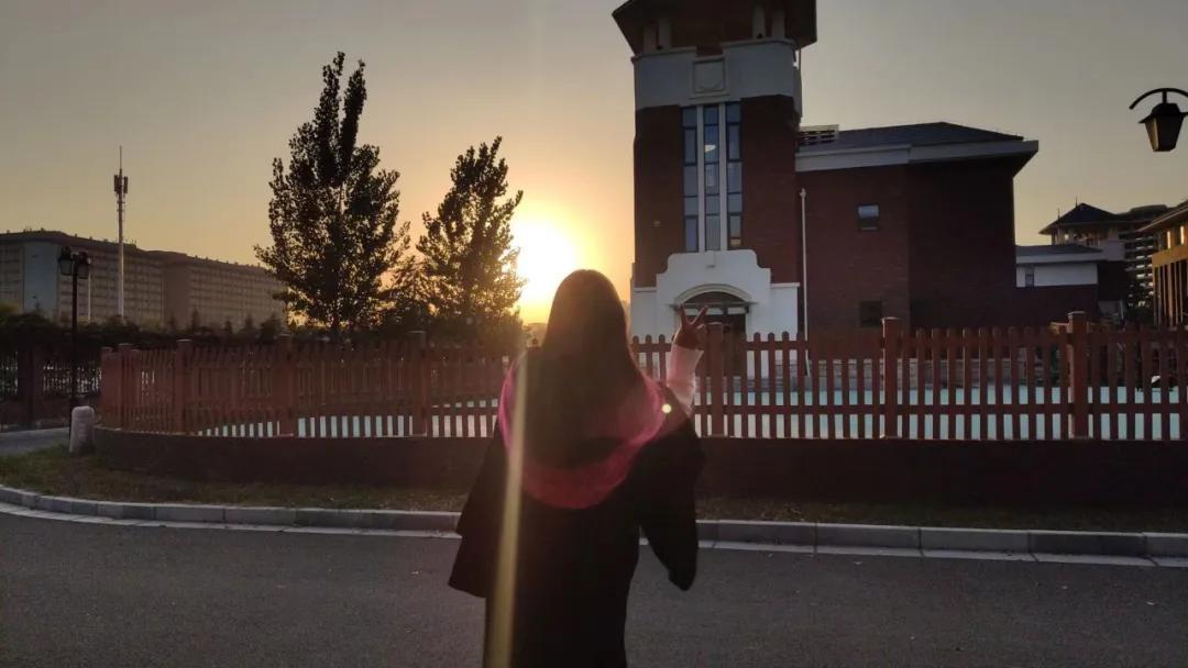 仰望星空,亦脚踏实地 | 2020届优秀毕业生铁伊莎