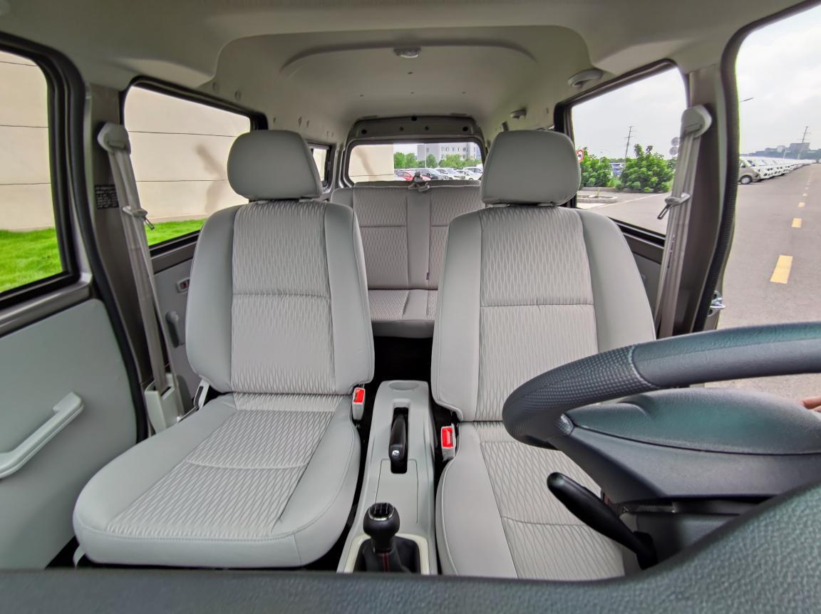 新海狮X30L超享版:按需购车,不要多花一分冤枉钱