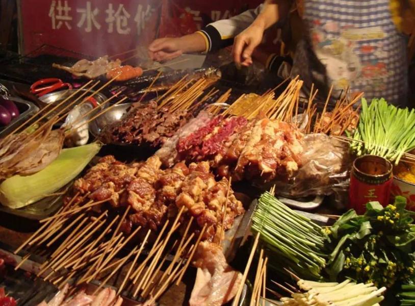 吃烧烤时,碰到5种肉可以放心吃,商家没办法造假,聪明人都会点