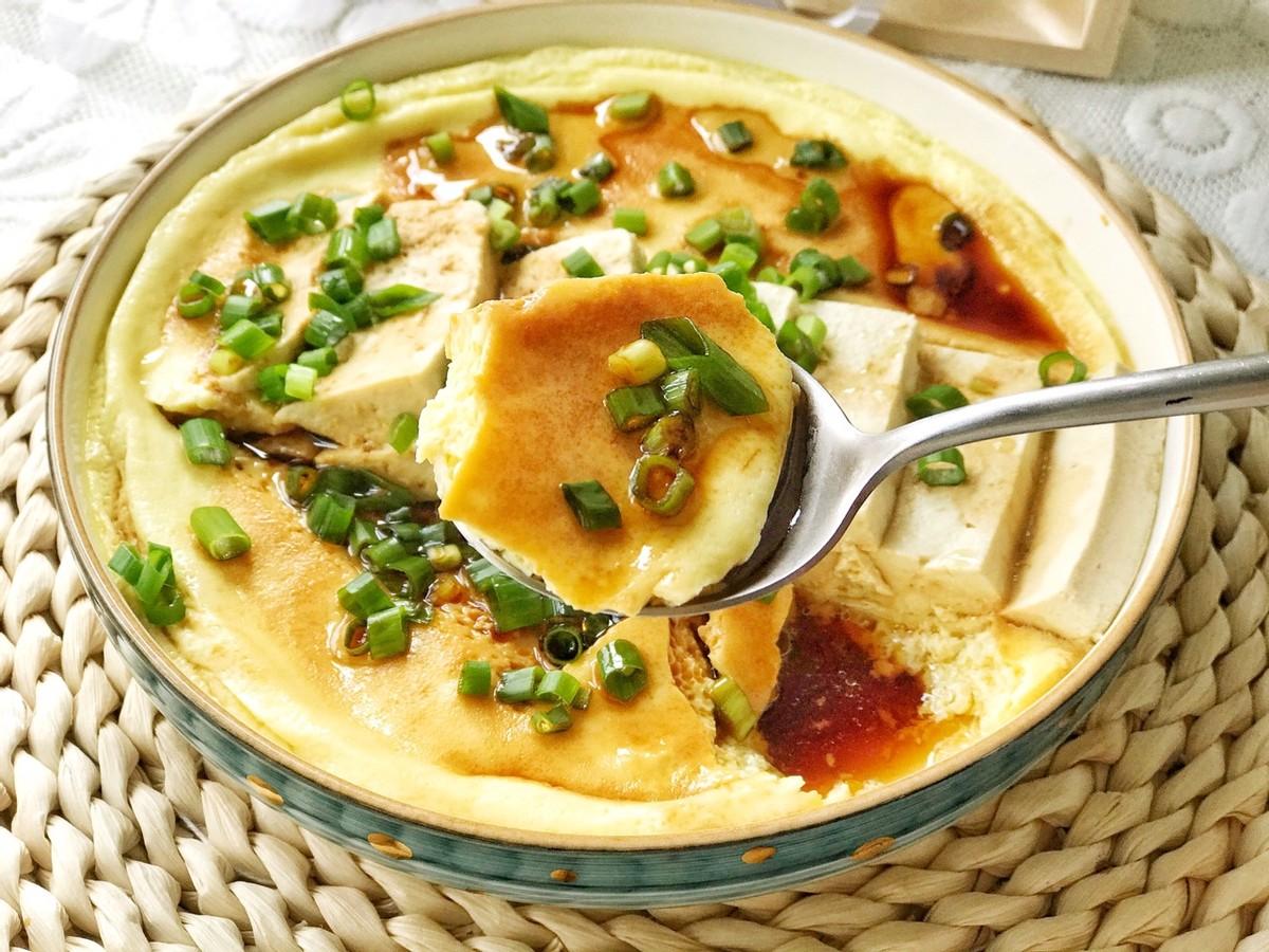 豆腐和鸡蛋完美结合,蒸一蒸,鲜香入味,爽滑好消化,太美味了
