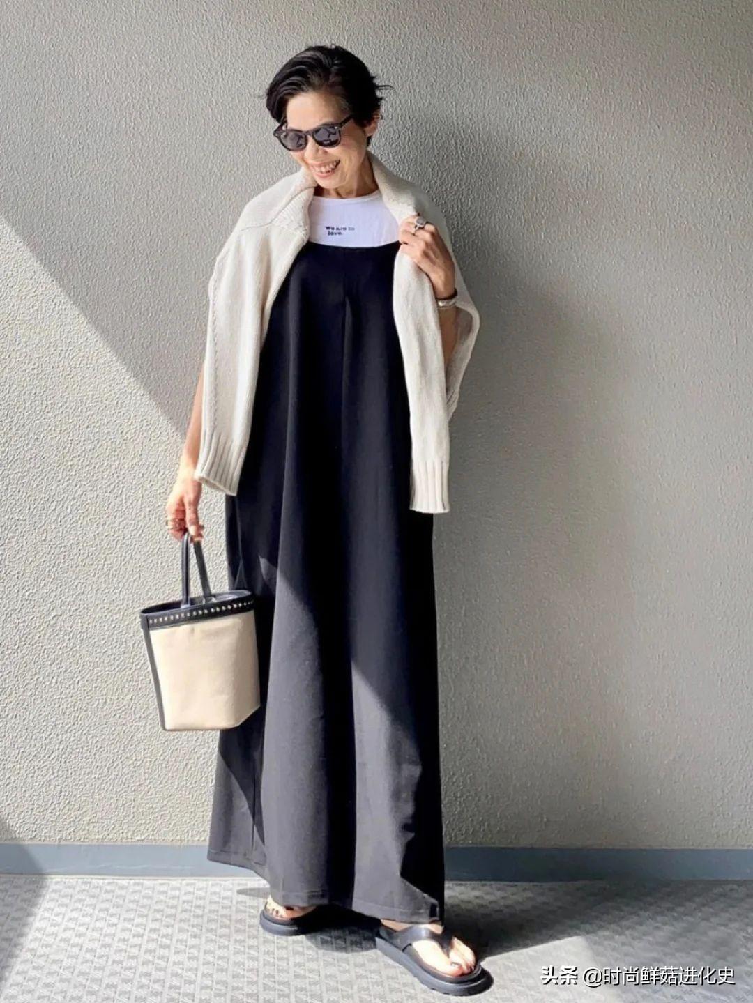 """一位""""日本奶奶""""时髦火了!穿衣简单日常不复杂,气质不输年龄"""