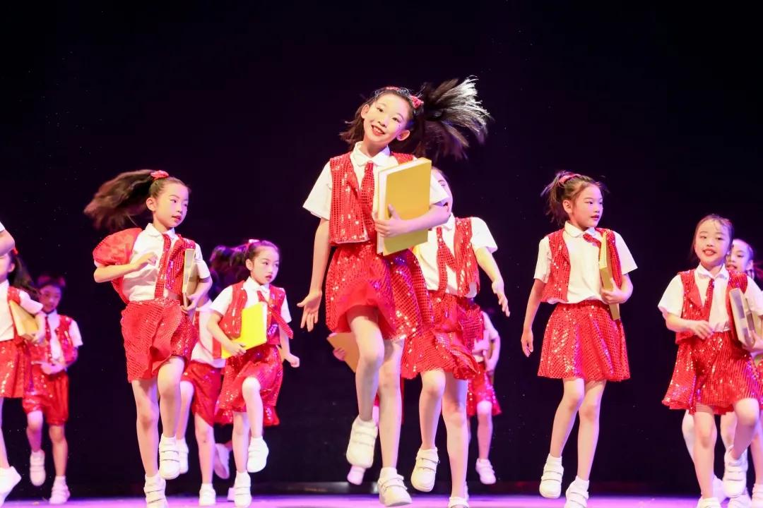 """""""童心向党""""——第六届""""小白鹭""""江西省少儿舞蹈展演精彩上演"""