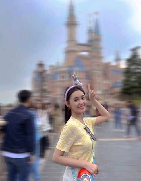 迪士尼五週年,星二代云集:孫莉女兒穿漢服,楊威曬雙胞胎姐妹花
