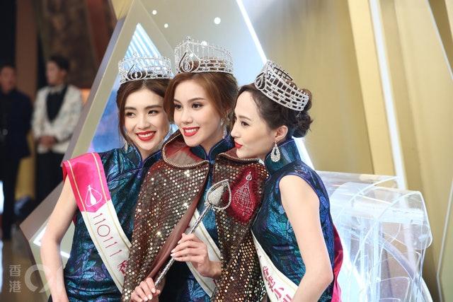 香港小姐2021宋宛颖冠军、梁凯晴亚军、邵初季军,有位港姐家人获曾志伟星级招待