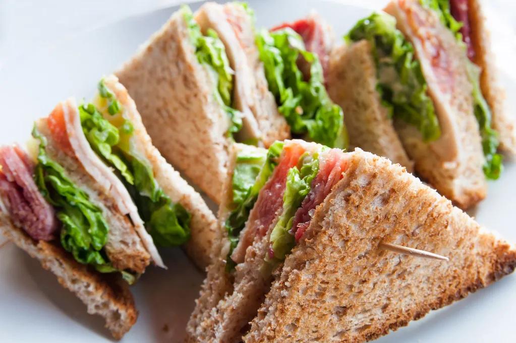 糖尿病可以吃零食吗?营养师:吃对7种零食,加餐饱腹还血糖稳定