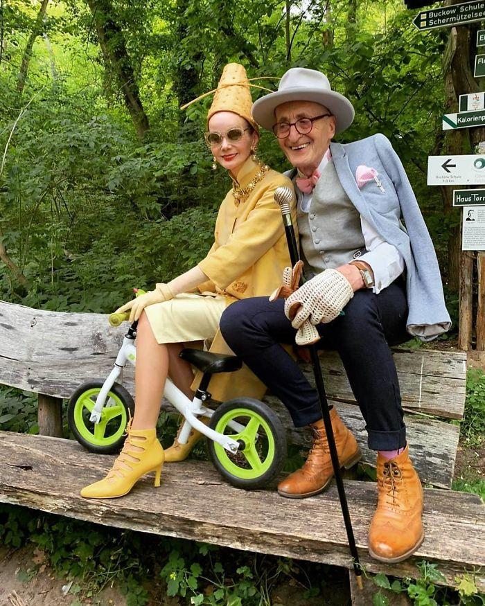 当第一批时尚博主进入老年时代,会怎样着装?