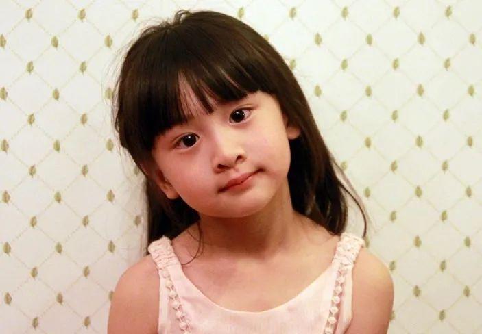 12岁的活力少女森碟,长成了网友羡慕的女儿