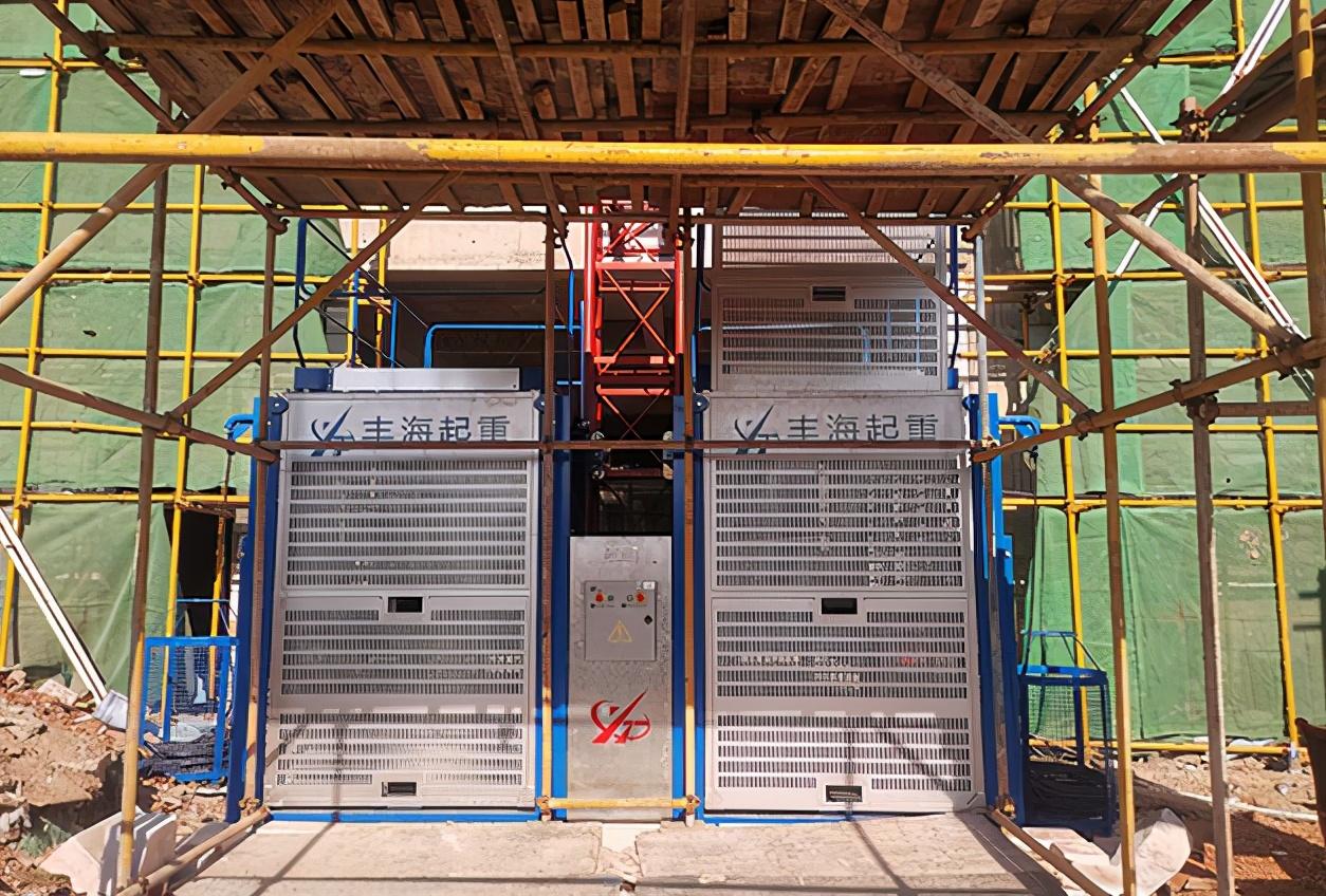 施工电梯运行时为什么有噪音?