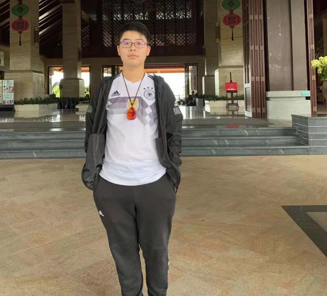 鲜衣怒马少年时 | 2020届优秀毕业生王忠旭