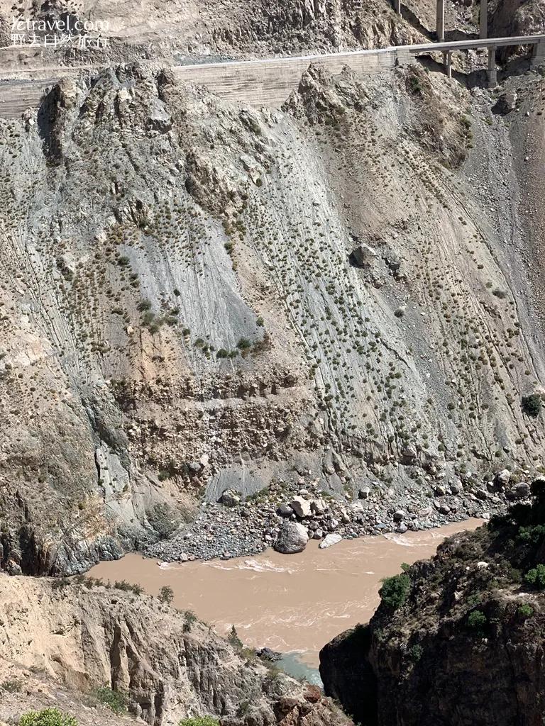 雨崩秘境 – 尼农大峡谷徒步穿越