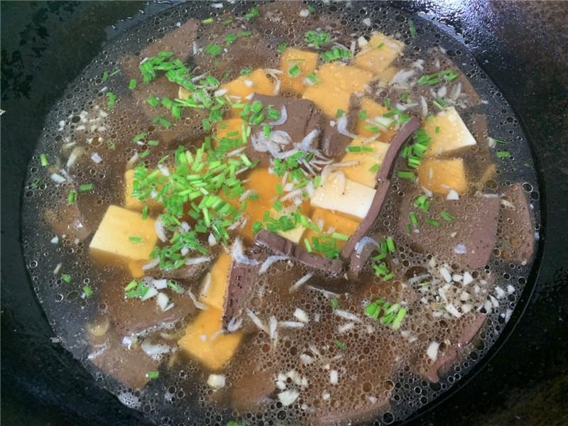 豆腐和这一起煮,多给孕妇吃,能预防缺铁性贫血 孕妇菜谱做法 第4张