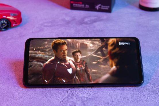極致的游戲體驗!騰訊ROG游戲手機5s游戲手機究竟有何過人之處?