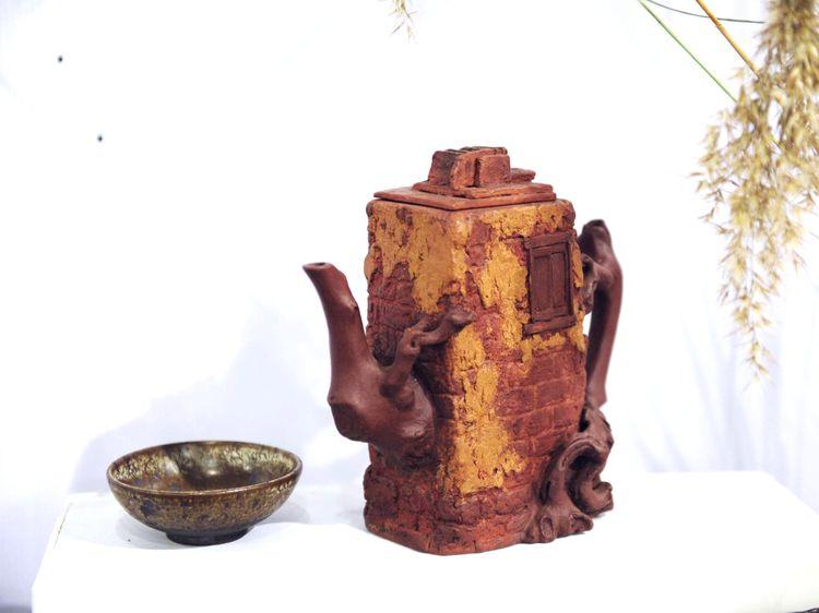 徐州紫砂专业委员会紫砂精品展转发仪式在张伯英艺术馆隆重举行
