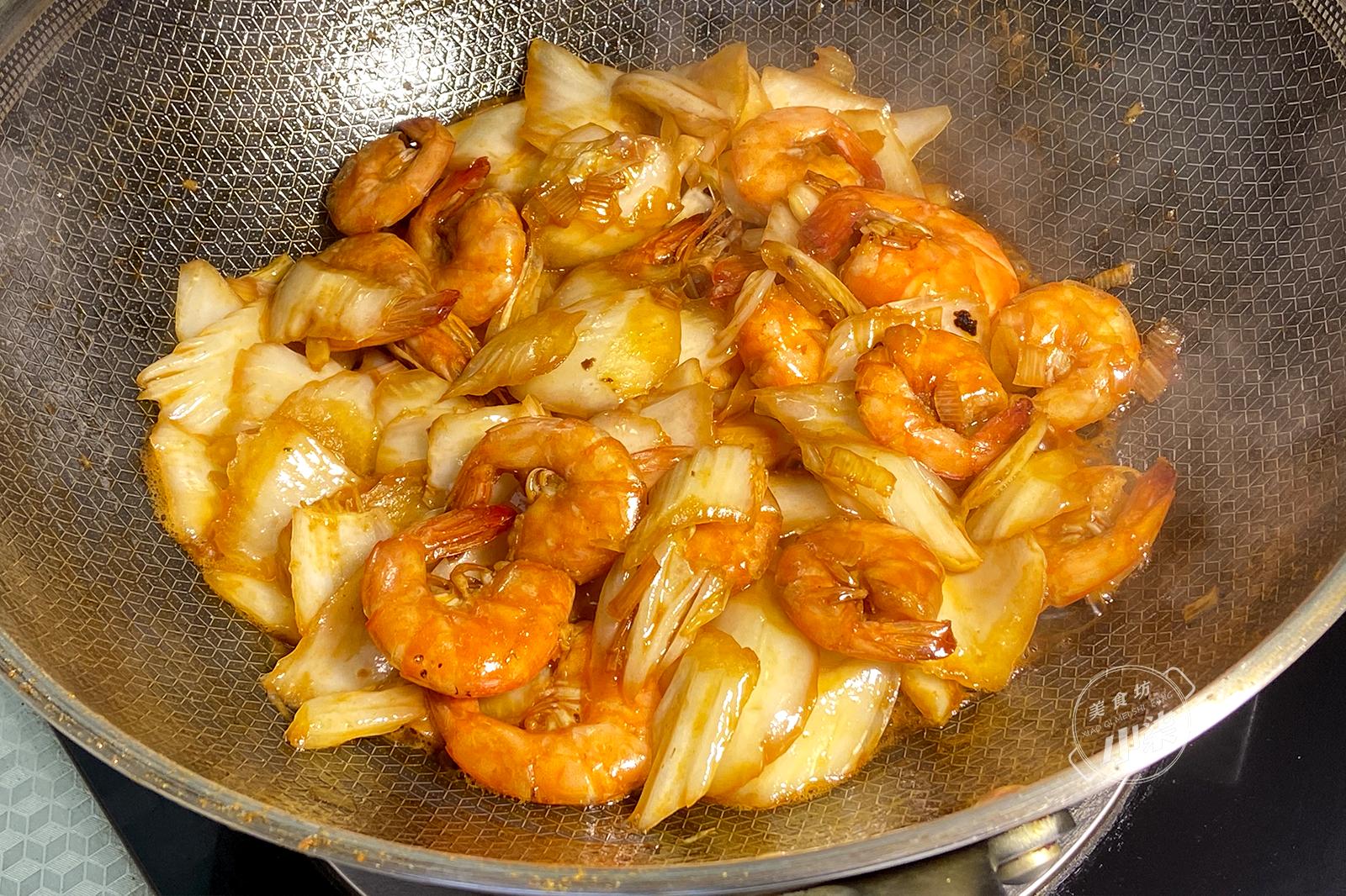 冬天,白菜最好吃的做法,簡單一做,鮮美爽口,好吃到湯汁也不剩