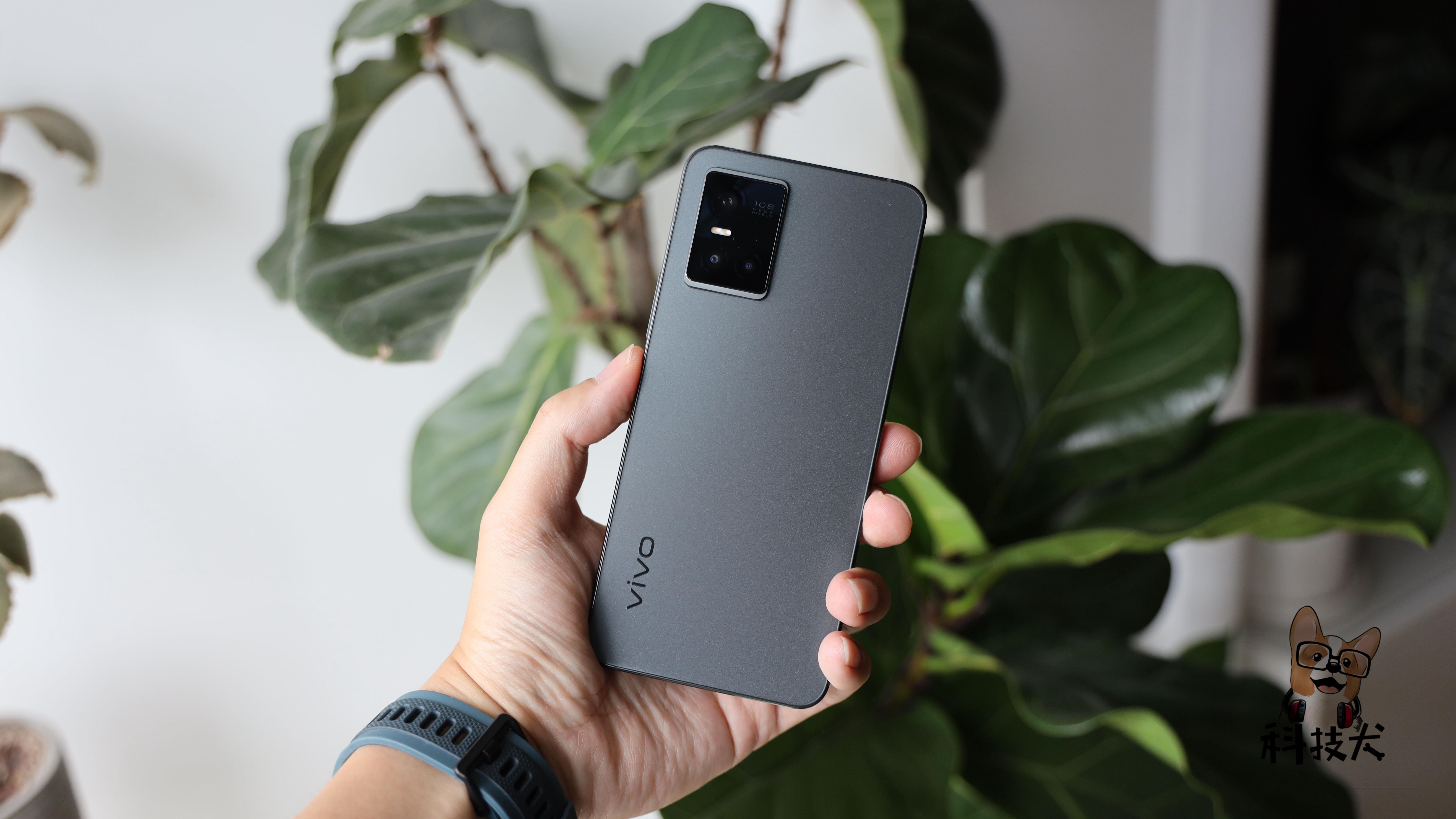 vivo S10 Pro(萤石黑)配色开箱:7.29mm再次刷新轻薄极限