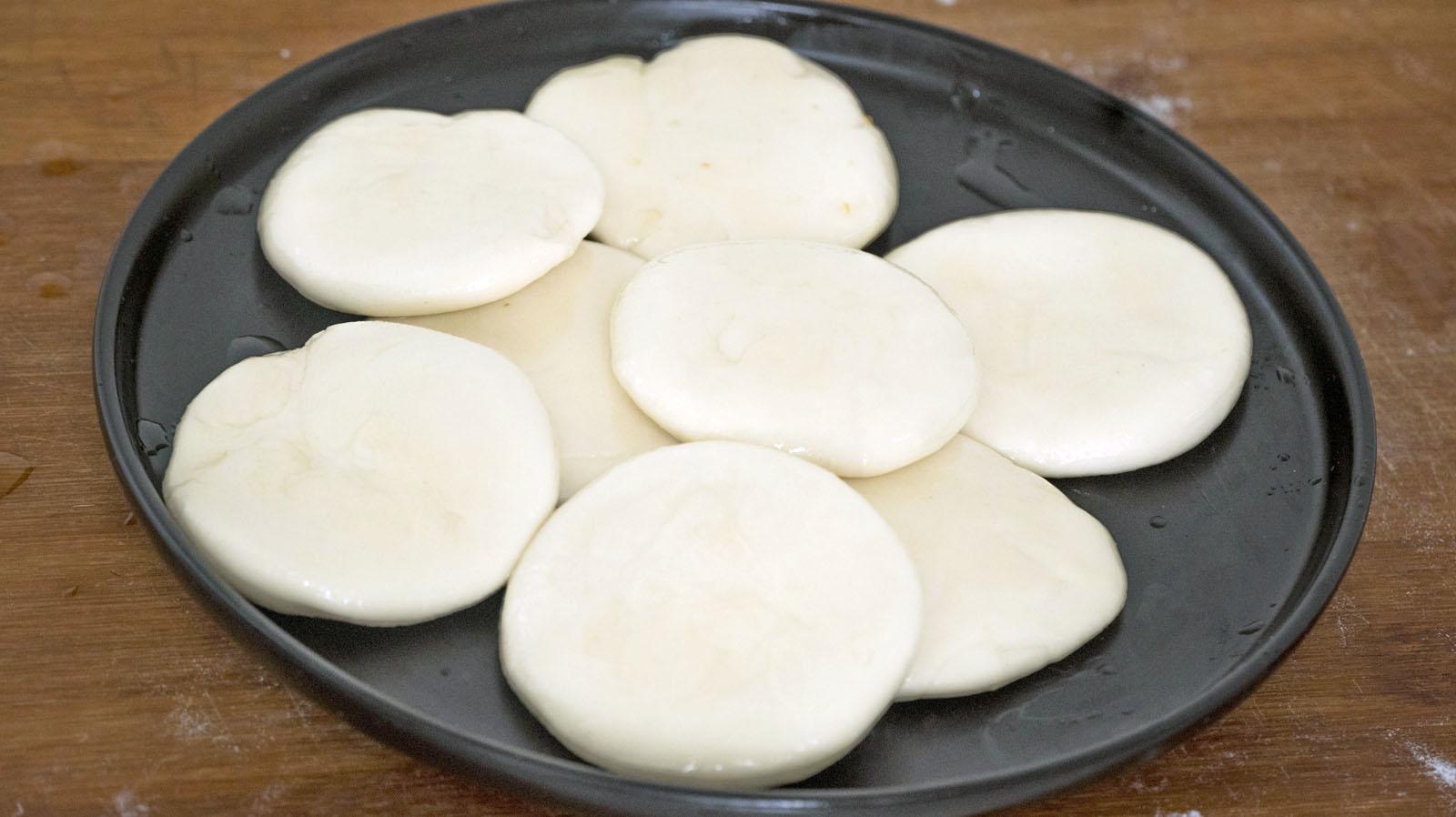 4種家常千層餅做法,一層層撕著吃,蓬鬆暄軟好消化,放2天都不硬
