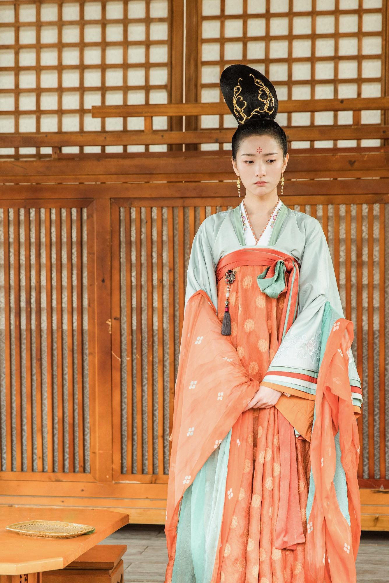 《青青子衿》叶阳公主上线 苏梦迪豪横三连爱