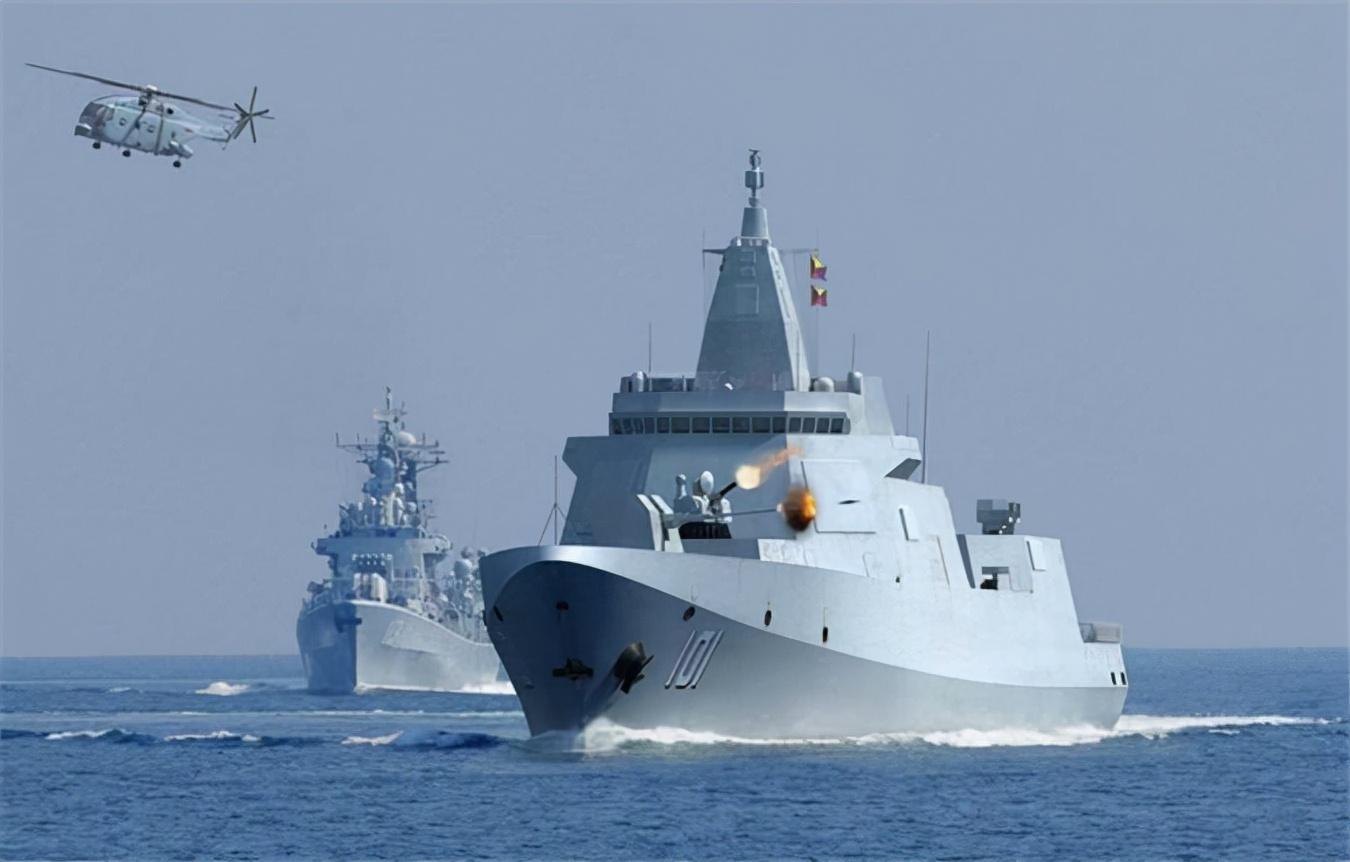 自由航行20天后,055编队沿日本本岛画了一个圈,自卫队都拍累了