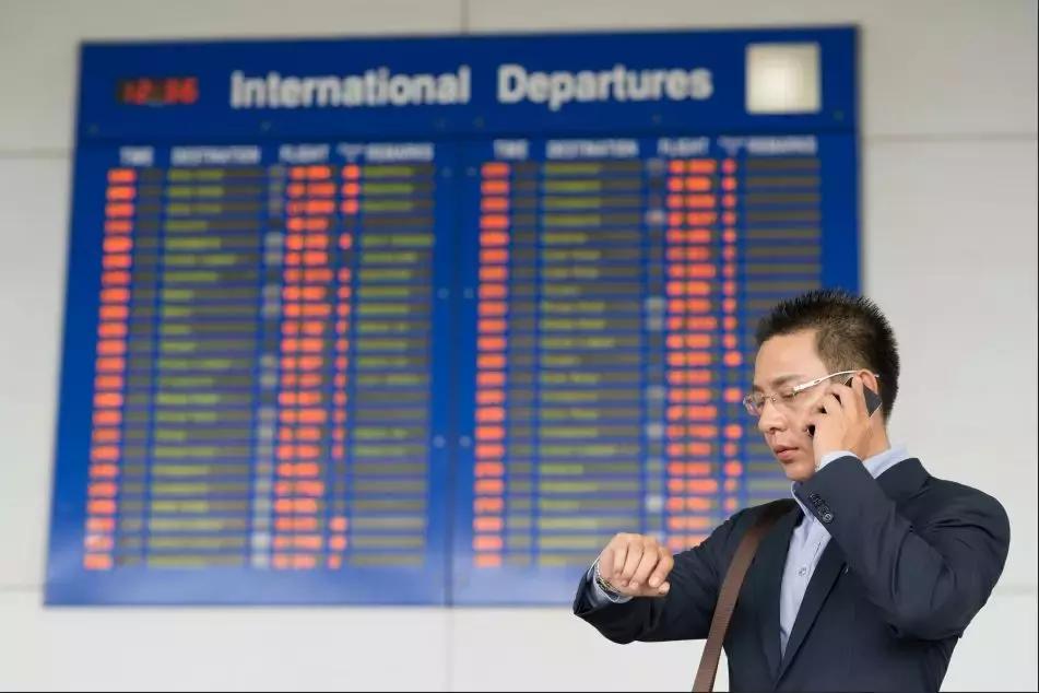 转机行李要重新托运吗(中转机的机票要取两次吗)