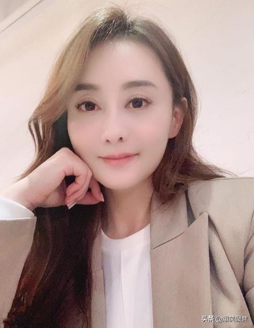 45岁陈德容宣布离婚!与富豪丈夫去年8月分开,婚变原因已曝光