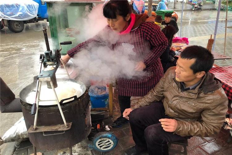 40多岁夫妻俩,春节后想一起做小生意,有什么好项目可以选择?