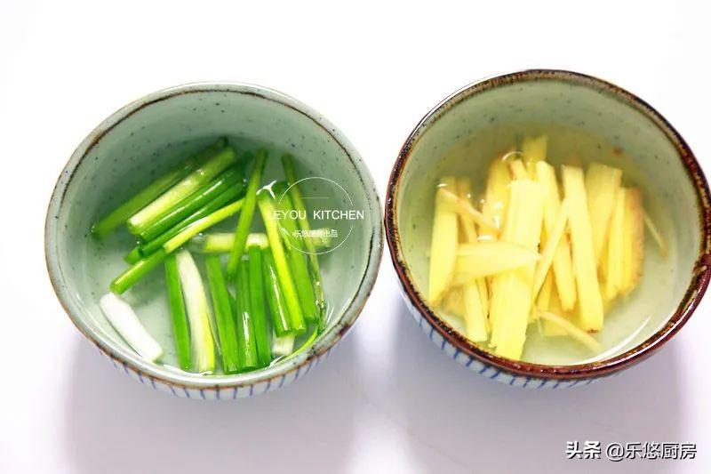 滑嫩多汁,不用炒、不用闻油烟,蒸一蒸就可以的夏日简单菜