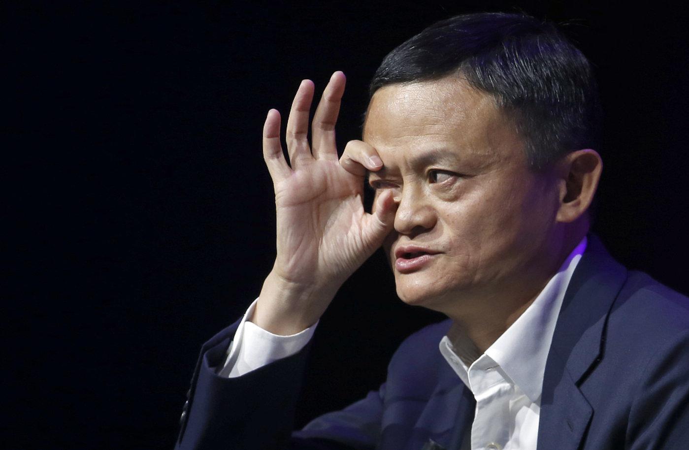 """刘强东正式作出决定,人民网说得没错:没有""""马云时代"""""""