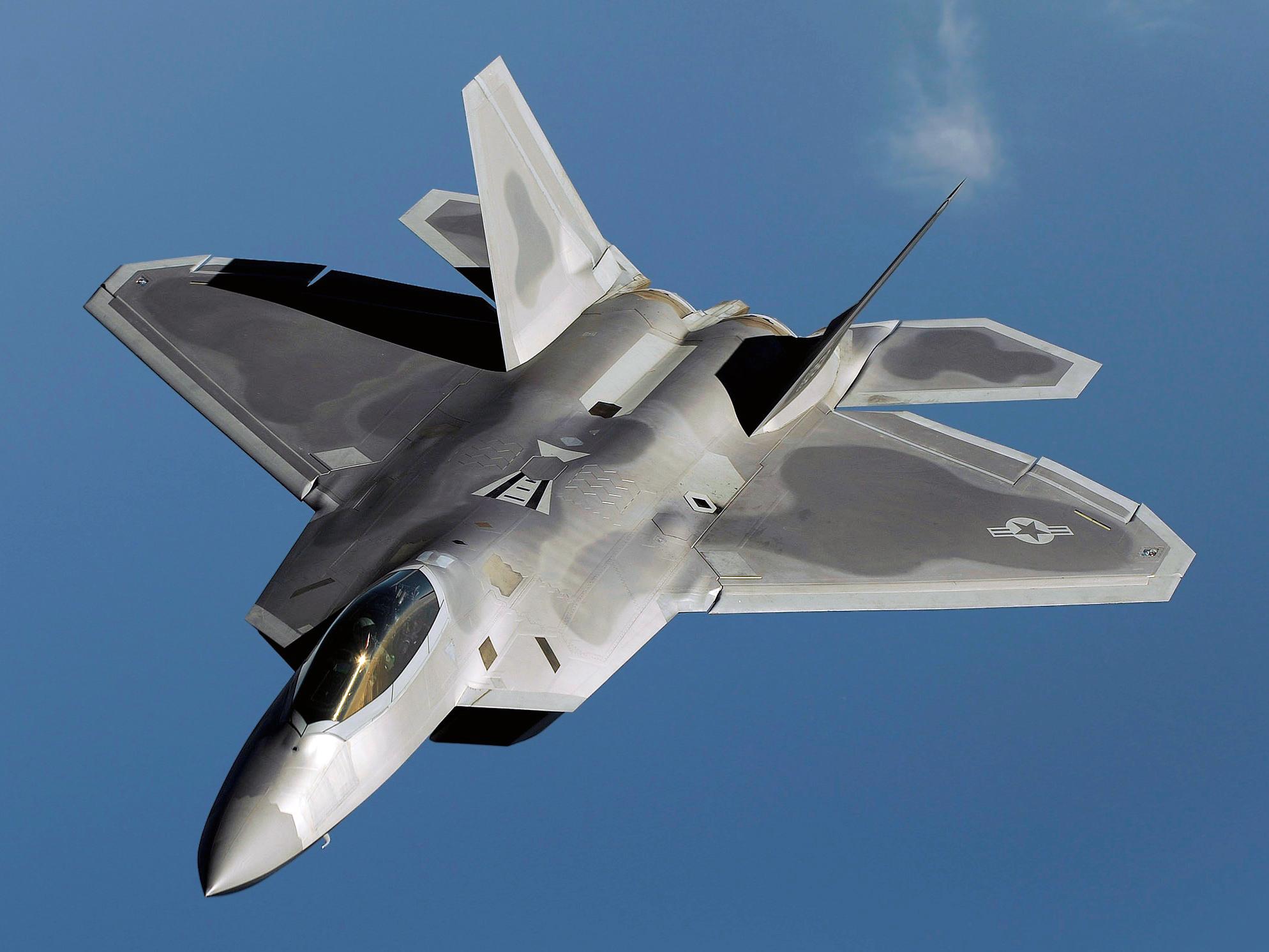 """F-22与""""歼-20""""实现首次交战?结果十分意外,我国必须要迎头追赶了"""