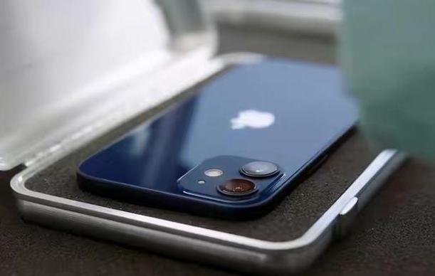 嘴上说着不买,但是身体很诚实,iPhone12首销秒售罄