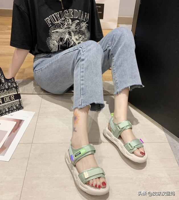 传说中的'丑丑鞋',原来穿起来这么好看