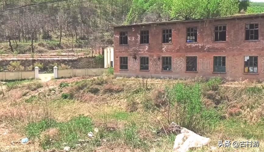 陕西废弃的军工厂,生产56式半自动步枪,驴友:猎奇好去处