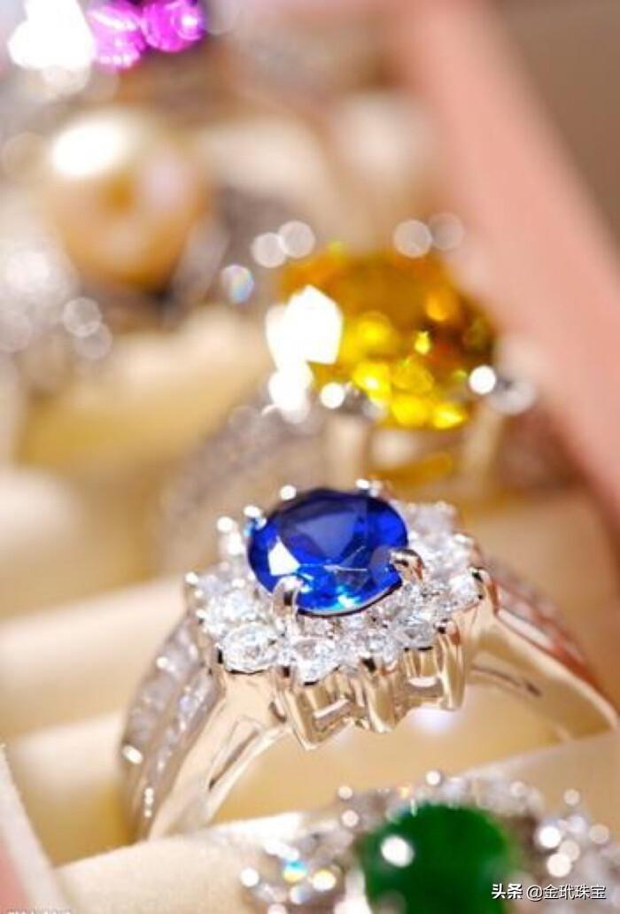 你喜歡佳士得拍賣的首飾嗎?一起來欣賞下佳士得拍賣的珠寶精品