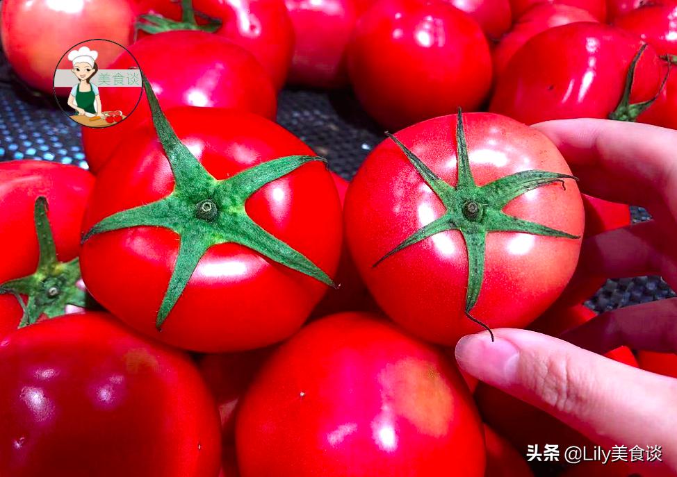 """買番茄時,牢記""""一看二捏三聞"""",挑出""""母番茄"""",各個飽滿多汁"""