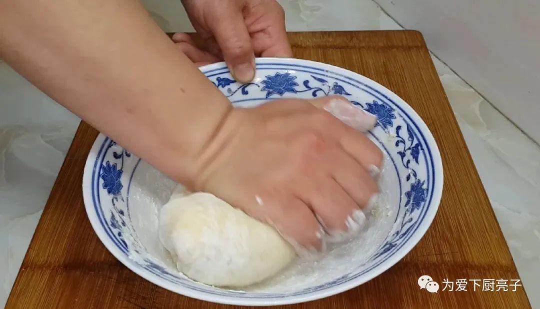 千層小糖餅做法,全程不用燙麵,鬆軟香甜又解饞,沒烤箱也能成功
