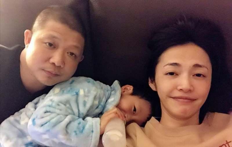 """姚晨为何抛弃了又高又帅的凌潇肃转脸嫁给""""丑男""""曹郁?"""