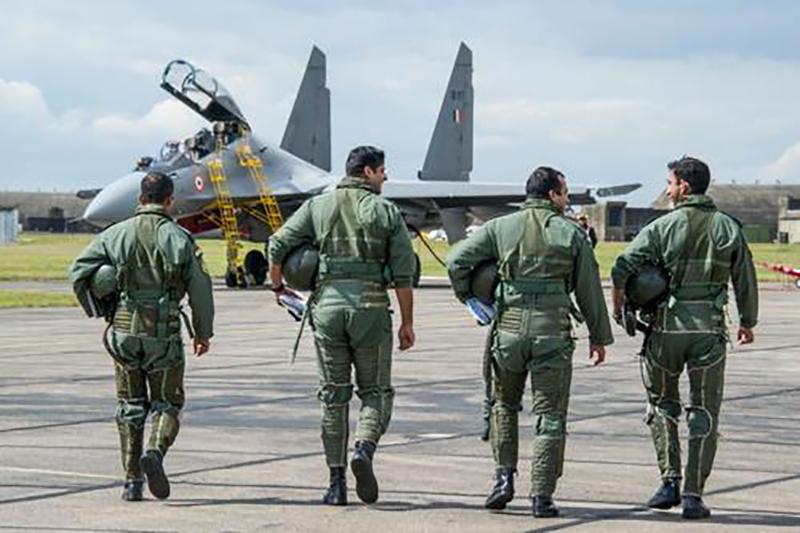印度空军危机重重,战斗力下滑,专家:如果战斗,将不敌中国